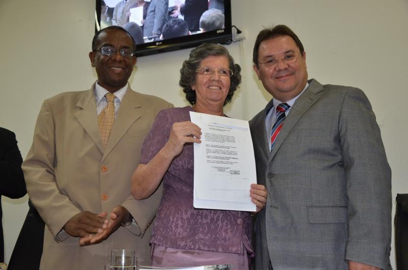 Câmara realiza sessão solene para homenagear a Professora Lélia Fernandes