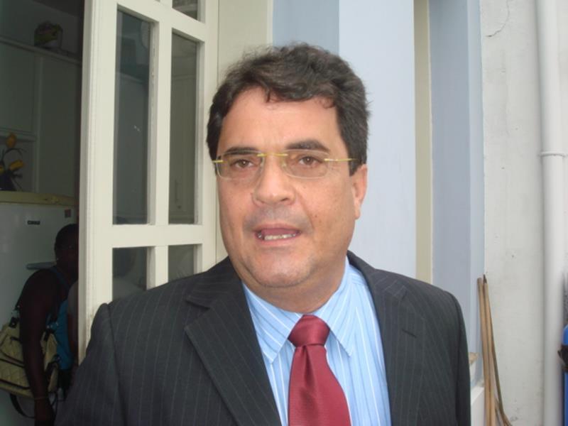 Carta aberta do suplente de deputado Ângelo Almeida é lida na Câmara Municipal