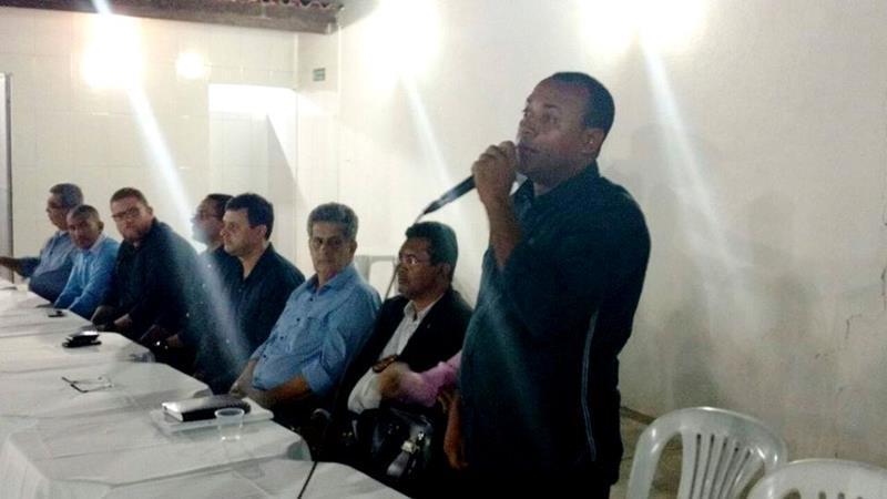 Vereador Fabiano da Van discute segurança pública com autoridades em Humildes