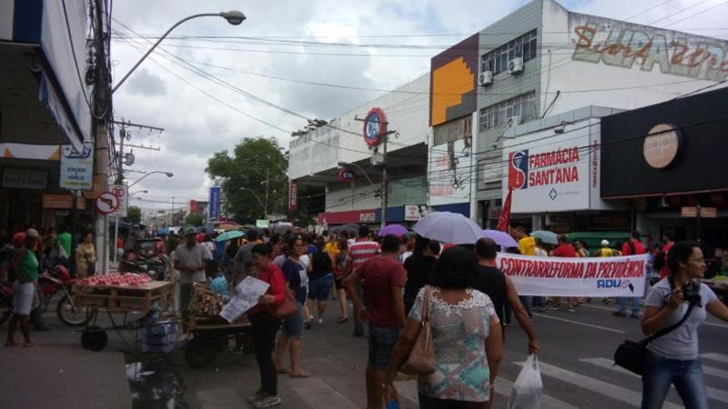 Manifestação em Feira de Santana contra as reformas de Temer