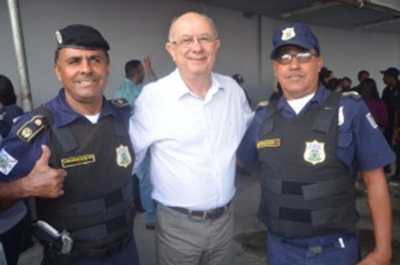 Comandante GM Ailton, prefeito Zé Ronaldo e o subcomandante Rangel