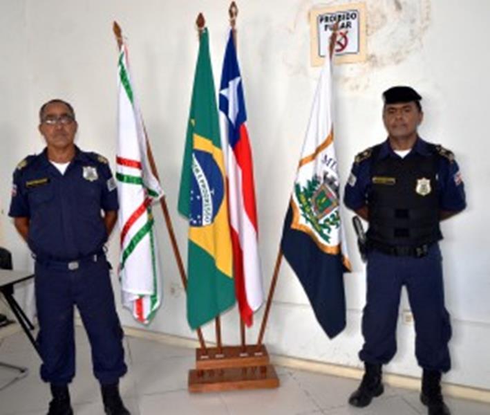 Comndante Ailton (a direita) e o subcomandante Arivaldo Rangel