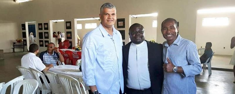 Pablo Roberto,  padre Gilmar e Antonio