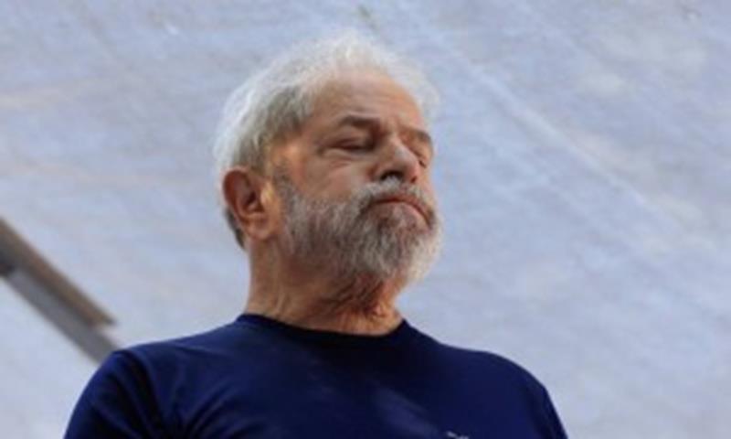 x76045297_PA-SAo-PauloSP07-03-2018-O-ex-presidente-Lula-discursa-em-carro-de-som-em-frente-a.jpg.pagespeed.ic.OMYNTevpIp